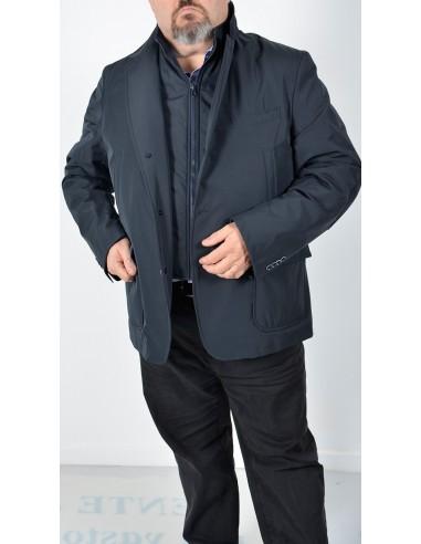 Abbigliamento per taglie forti da uomo Abbigliamento da uomo: la collezione per taglie forti I nostri stilisti hanno disegnato una collezione dedicata alle taglie forti dove puoi trovare tutto quello che ti serve: vestiti eleganti, pantaloni, jeans, maglie e camicie.