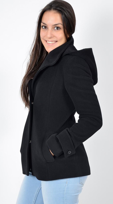 Cappotto da Donna Corto - Scopri i modelli Gente   Moda - Gente e Moda 2745e5b73b6