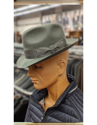Cappello in lana tipo fedora...